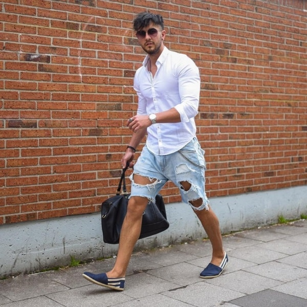 Best Blue Jeans With White Shirt Outfits For Men
