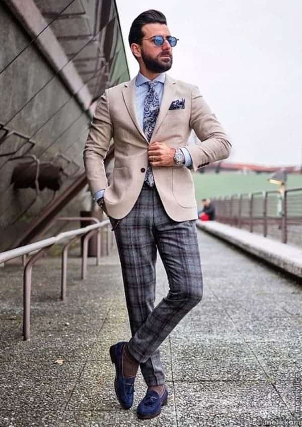 Best Ways To Wear Plaid Pants To Work This Summer