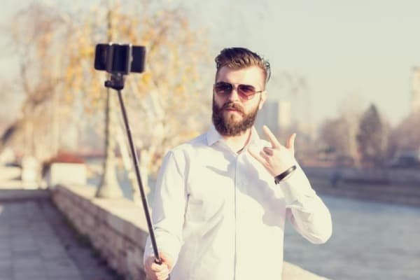 Best Selfie Poses For Guys To Copy Right Now!
