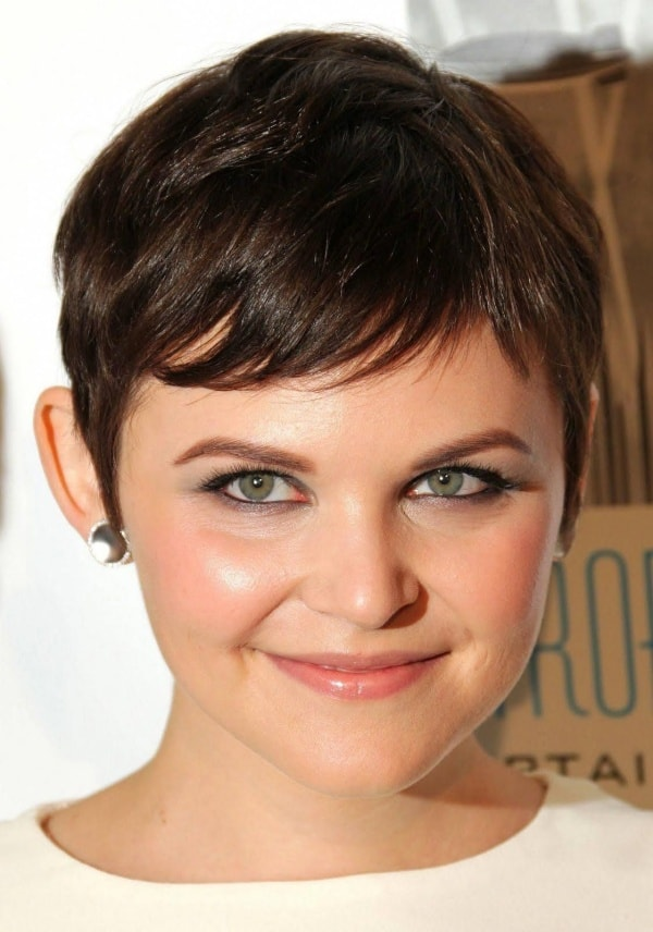 Beautiful Short Hairstyles For Fat Faces And Double Chins