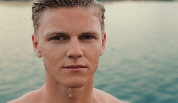 How To Keep Your Skin Clear in The Summer?